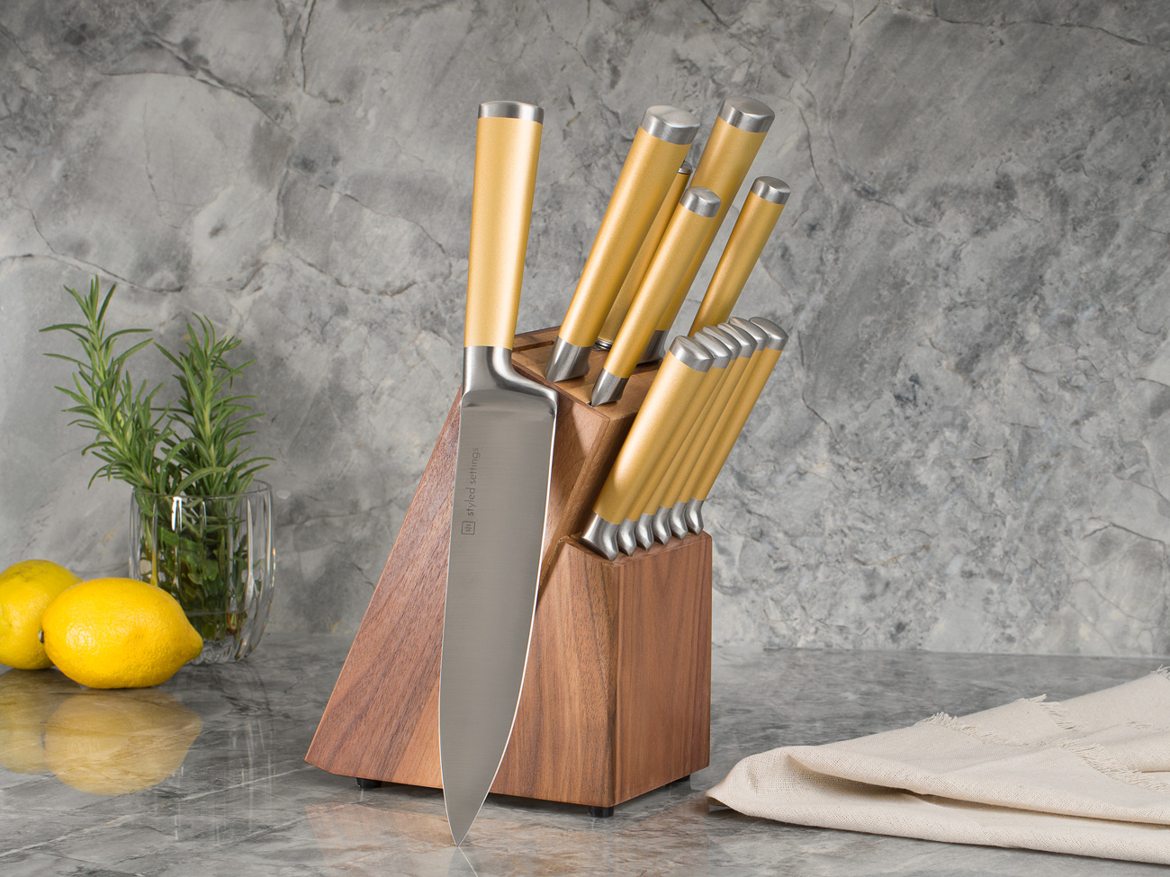 Kitchen-Lifestyle-with-Lemon