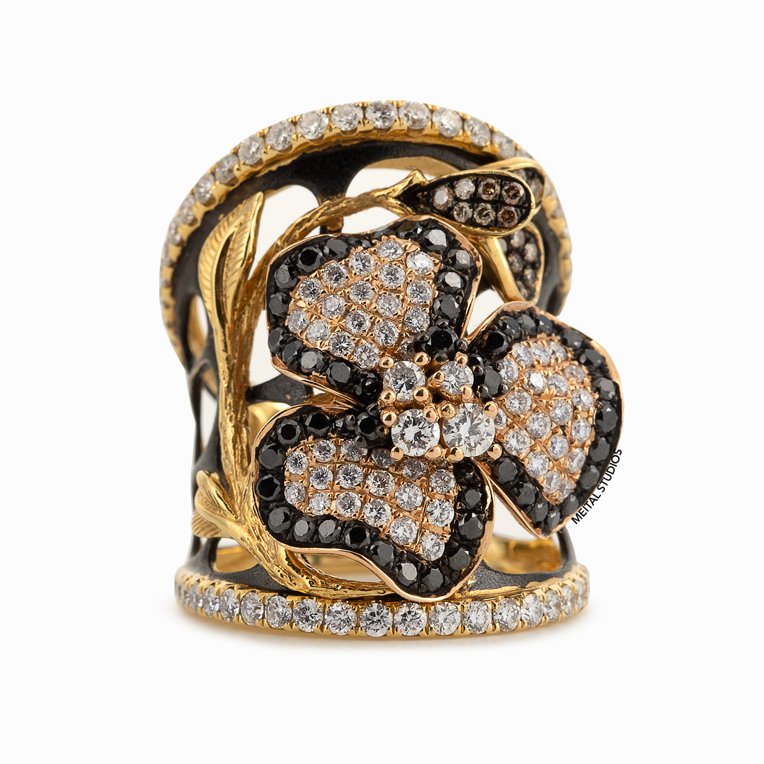 Diamond Ring Wide Front.
